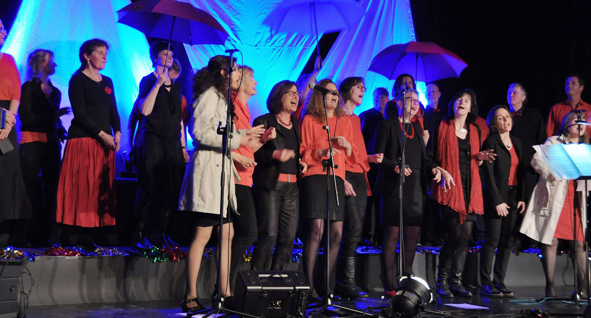 Pop- und Gospelchor CHORIOS singt it´s raining men